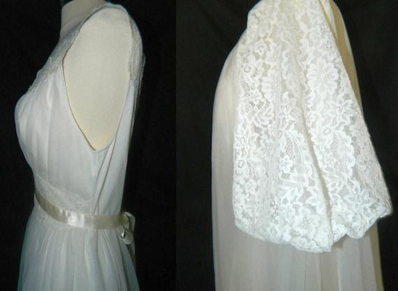 SALE - Vanity Fair Peignoir Set - Bridal Troussea… - image 4