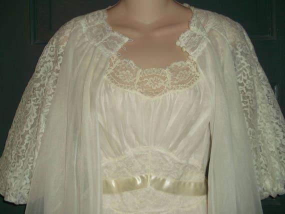 SALE - Vanity Fair Peignoir Set - Bridal Troussea… - image 5