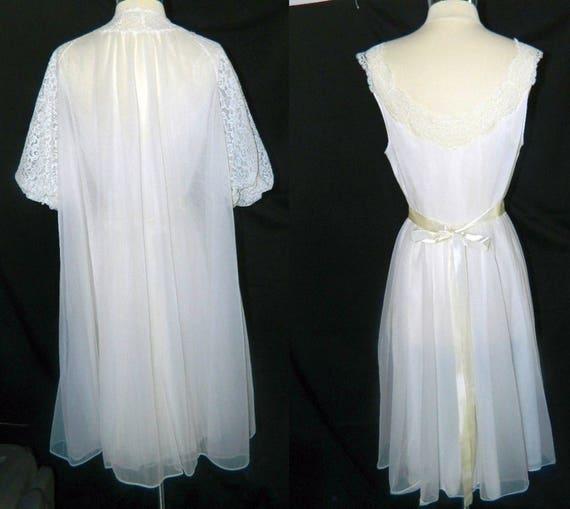 SALE - Vanity Fair Peignoir Set - Bridal Troussea… - image 2
