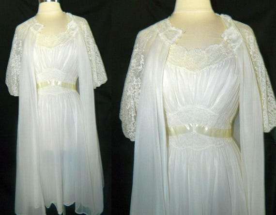 SALE - Vanity Fair Peignoir Set - Bridal Troussea… - image 3