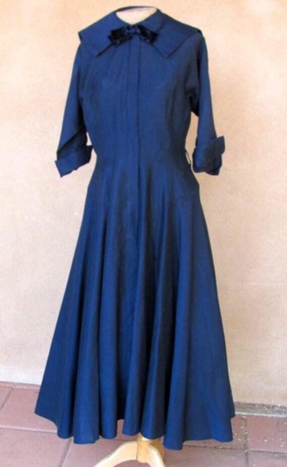 Vintage 40s-50s shirt waist full skirt navy blue d