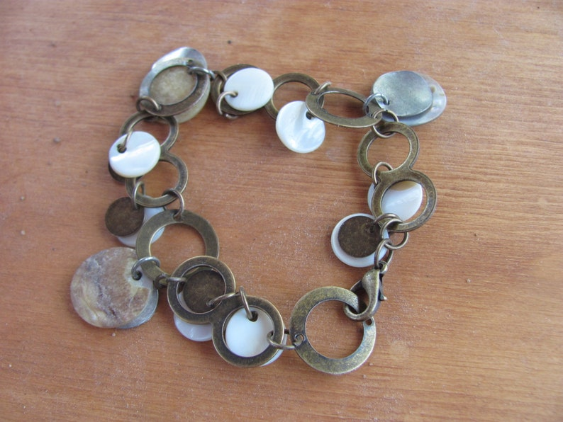 bracelet and assorted earrings Necklace Vintage 80/'s aluminum and brass trio Mother of pear