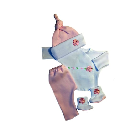Jacquis Baby Girls Knotted Pink Shamrock Hat and Booties Set