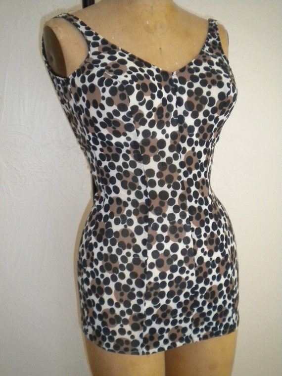 Bubbly Brown Black Cheetah Vintage CATALINA Deep V