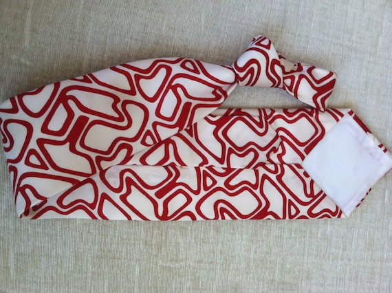 Rich Red Abstract Puzzle Lines on White Vintage A… - image 5