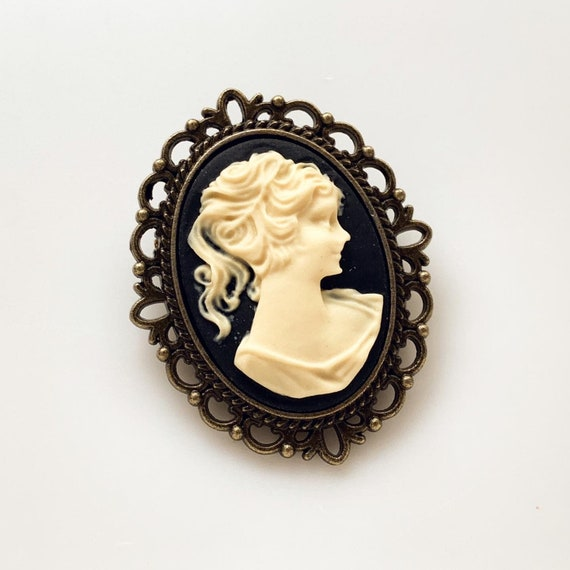 Cameo Brooch for Women Cameo Brooch Vintage Inspired Dimensional Brooch Cameo Pin Pin or Pendant
