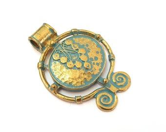 Faux Patina over Antique Bronze Tone 2 Blue Patina Charms Verdigris Charms Antique Blue Charms G11676 30mm