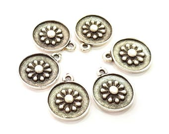 10 Silver Charms Antique Silver Plated Charms (15mm) G8513