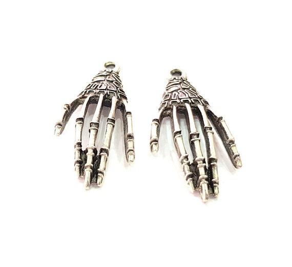 scegli il meglio acquista per il meglio miglior prezzo per Mano di scheletro 4 Charm Charms in argento metallo placcato argento antico  (41x19mm) G13666