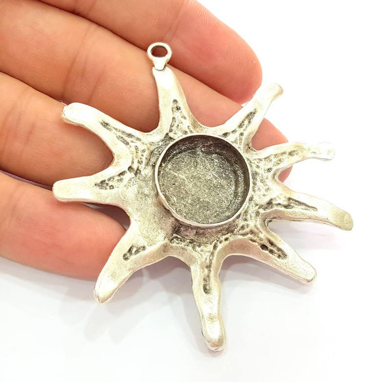 Silver Sun Pendant Blank Bezel Base Setting Necklace Blank Resin Blank Mountings Antique Silver Plated Brass  G8280
