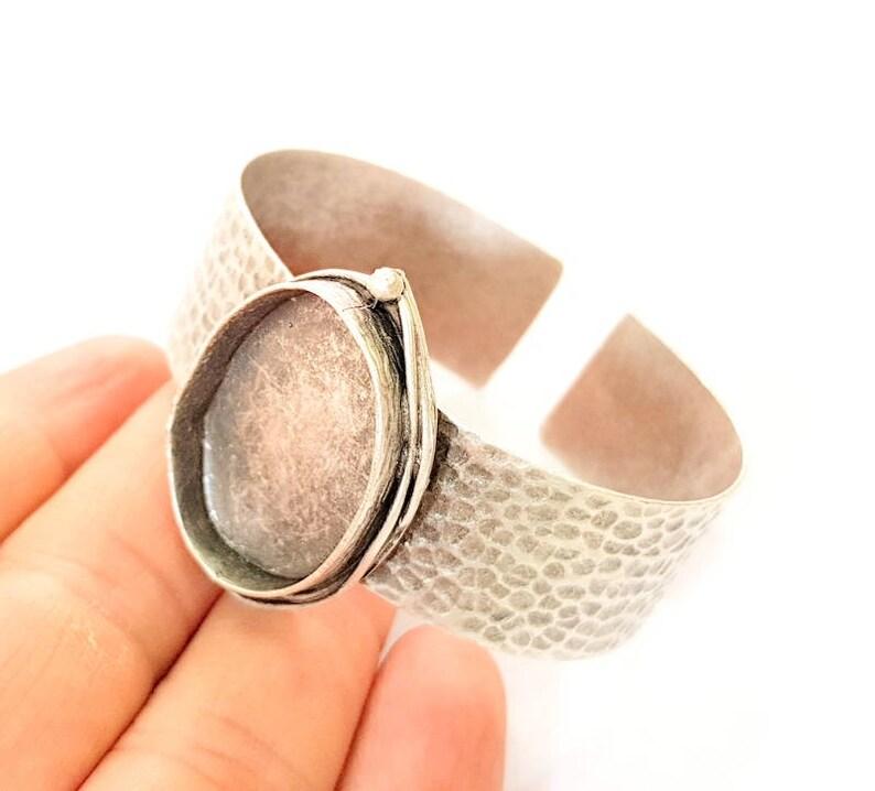 G8343 Bracelet Blanks  Cuff Blanks Adjustable Hammered Bracelet Blank Antique Silver Plated Brass 30x22mm Blanks