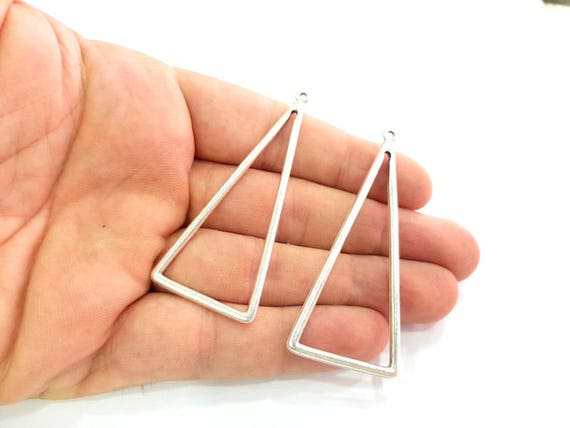12 Triangle pendants antique silver tone P247 Beads & Jewellelry Making Supplies