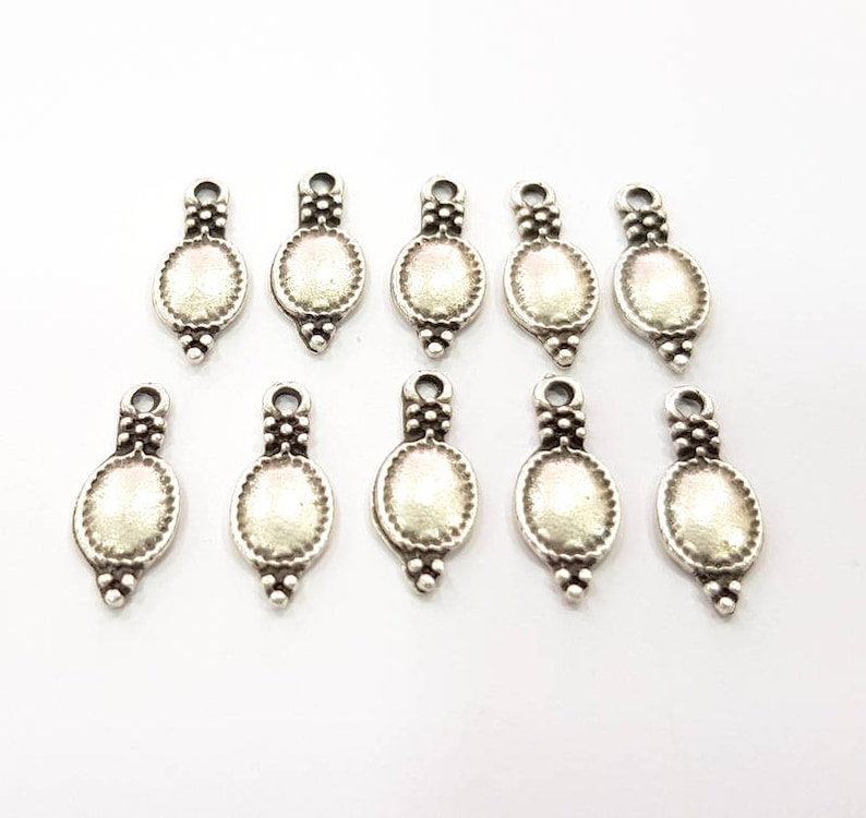30 Silver Charms Antique Silver Plated Charms 17x7mm G9626 image 0