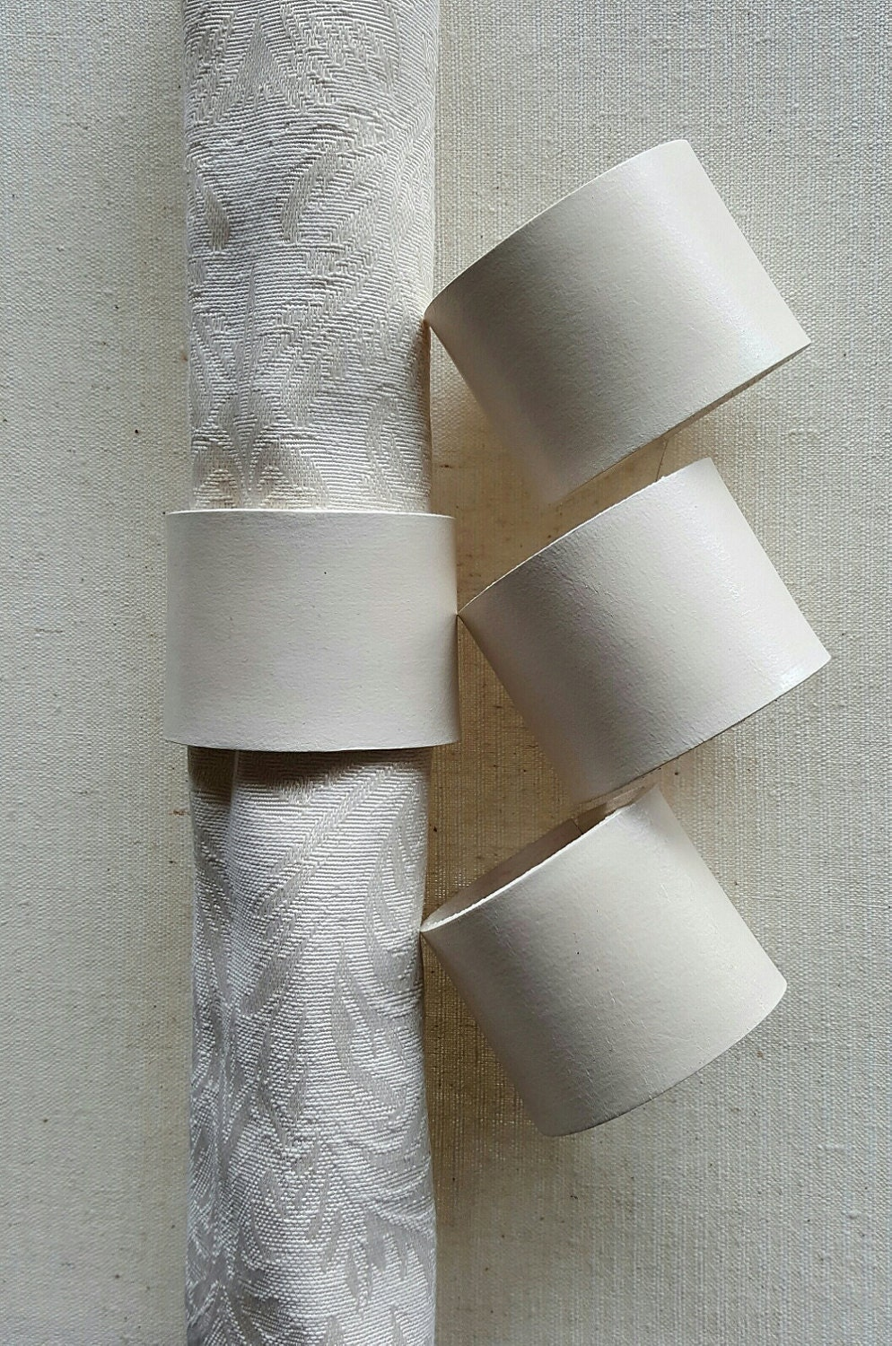 Wedding Table Decor White Leather Napkin Rings Hand Stitched Lacing Set Of Four Intimate Dining Kitchen Decor Table Napkin Rings