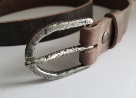 "Hammered Antique Silver Buckle with Leather Snap Belt ~ Custom Cut Belt ~ Choose from Five Leather Belt Colours ~ 1-1/2"" Belt for Jeans"