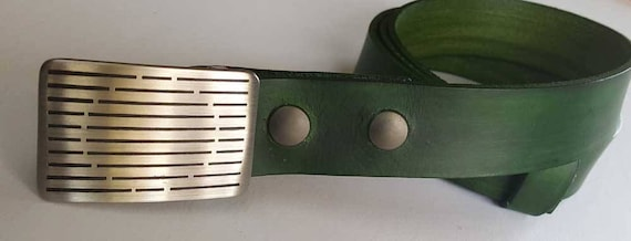 Golfer's Gift SET Belt Buckle Hand Dyed Forest Green Belt w/ Etched Golf Belt Buckle for Suits, Casual Dress, Golfing Gear, Golf Accessories