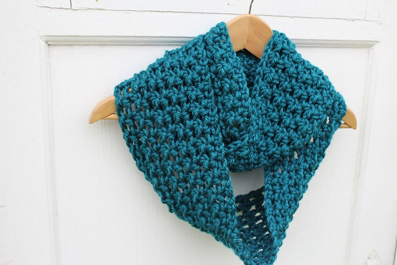 d255e462f47 Turquoise infini Crochet écharpe bleu canard au Crochet