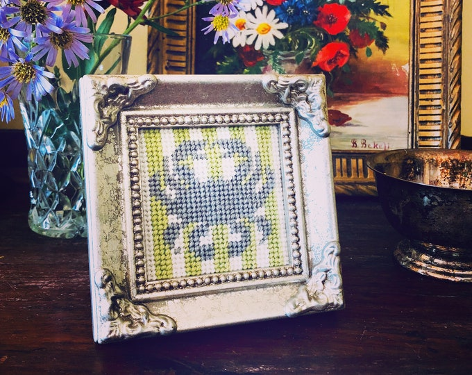 Mini Framed Crab Needlepoint Kit