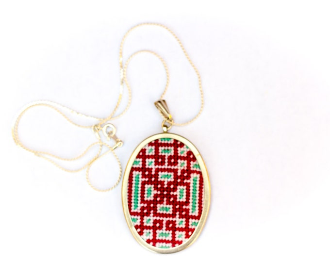 SALE!! DIY Needlepoint Jewelry Kits: Knotwork Oval Pendant