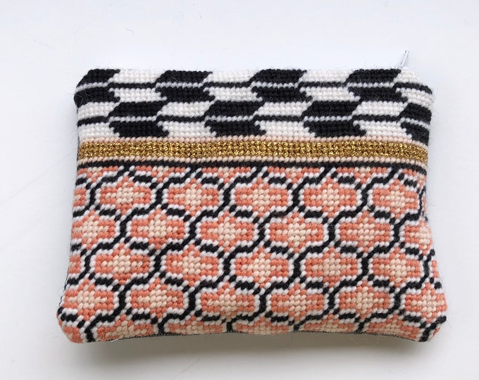Living Coral Collection: Ogee Needlepoint Kit