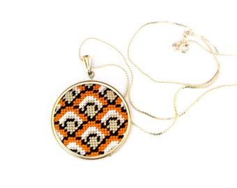 DIY Needlepoint Jewelry Kits: Fishscales Round Pendant