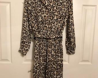 Vintage Breli Originals / leopard print / animal print Shirtwaist dress/ dress / vintage sz 8/ nedium