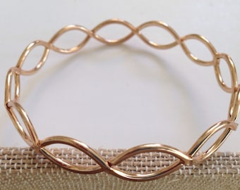 gold tone bracelet / bangle / unmarked / great to add to your stack