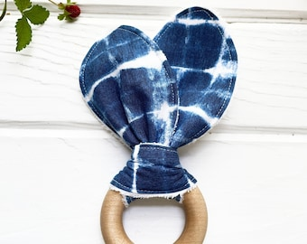 Blue Wood Teething Toy, Shibori Tie Dye Fabric Print, Natural Baby Toy, Cotton Fabric, Indigo and White, Gender Neutral, Baby Shower Gift
