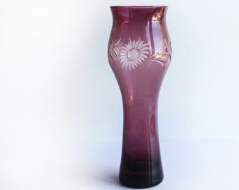 Wheel Cut Amethyst / Purple Glass Vase Daisy Flowers ~ Vintage Vases