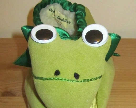 Green Frog Cuddly Snug Slippers Made to Order Winter Foot Warmers For Men Or Women Made to Measure Unusual Winter Warm Footwear Presents