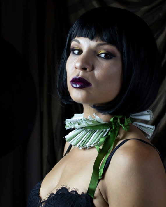 White and Olive Pleated Circus Collar