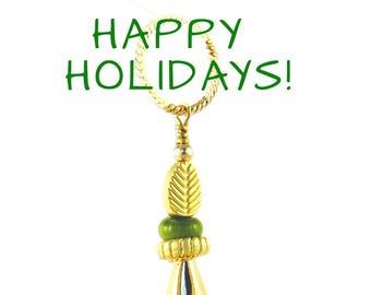 green Star Pendant, Green handbag charm, Green tassel pendant, glass star Necklace, Green star Necklace, gold and green charm, focal pendant