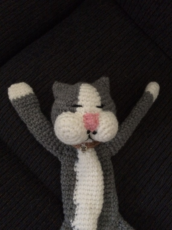 Laid-Back Cat Amigurumi - Free Pattern Links - Crochetville | 760x570