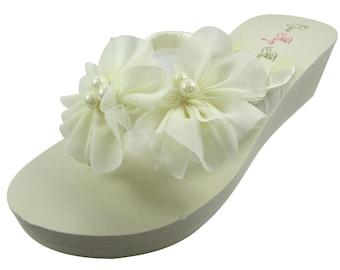 48dd5850021b44 Bride flip flops