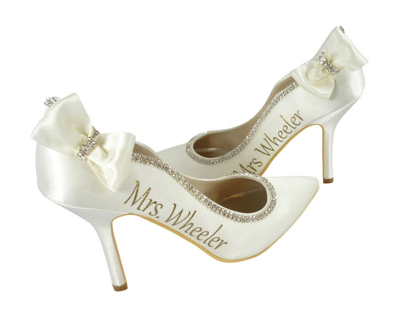 569f32639 Ivory or White Pointed Toe Bridal High Heels  3 inch Closed
