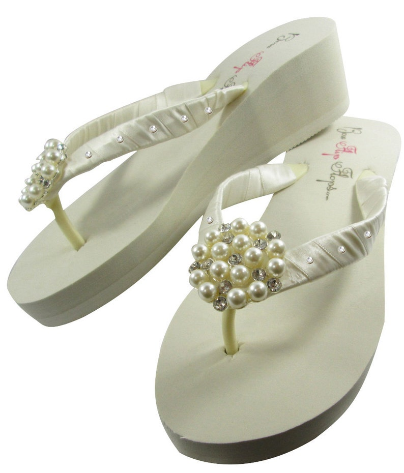 84cb889d2de838 Bridal Flip Flops wedge Ivory or white bride flip
