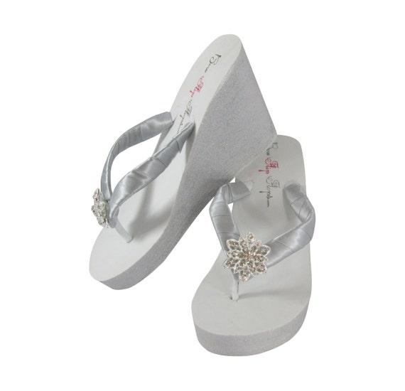 Painted Vintage White Flops Flip Ivory or Glitter Silver Flower FZwUA