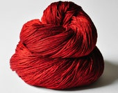 Blood queen - Red Silk Lace Yarn - Hand Dyed Yarn - handgefärbte Seide - Garn handgefärbt - DyeForYarn