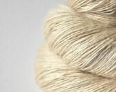 Ghost - natural Tussah Silk Fingering Yarn  - Garn handgefärbt - DyeForYarn