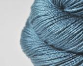 Hazy winter sky - Silk / Merino DK Yarn superwash - Hand Dyed Yarn - handgefärbte Seide - Garn handgefärbt - DyeForYarn