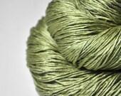 Melting pistachio ice cream - Silk Fingering Yarn - knotty skein - Hand Dyed Yarn - handgefärbte Seide - Garn handgefärbt - DyeForYarn