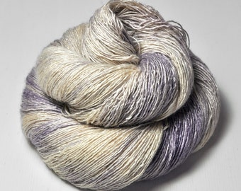 Blueberry and cream swirl OOAK - Tussah Silk Lace Yarn - Hand Dyed Yarn - handgefärbte Wolle - DyeForYarn