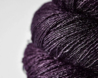 Last dance is over - Tussah Silk Lace Yarn - Purple Hand Dyed Yarn - handgefärbte Wolle - DyeForYarn