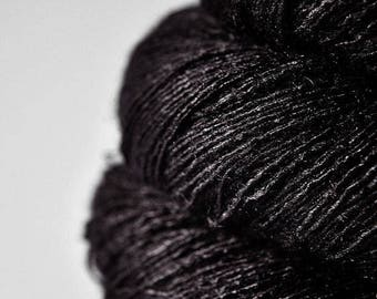 Raven in the night - Tussah Silk Lace Yarn- Hand Dyed Yarn - handgefärbte Wolle - DyeForYarn