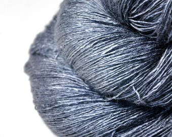 Gnatcatcher flying too high - Tussah Silk Lace Yarn - Hand Dyed Yarn - handgefärbte Wolle - DyeForYarn