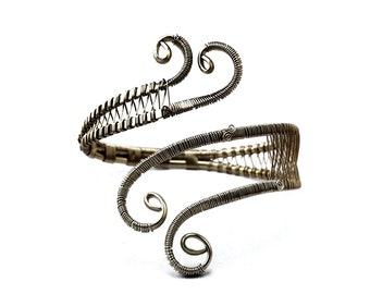 Boho Armband, Wire Armlet, Spiral Arm Cuff, Roman Arm Band, Upper Arm Cuff, Silver Arm Bangle, Body Jewelry, Silver Upper Cuff, Arm Jewelry