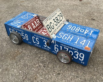 License Plate Roadster - Michigan Vintage Plates and Other Reclaimed Items Turned into a Really Cool Vehicle
