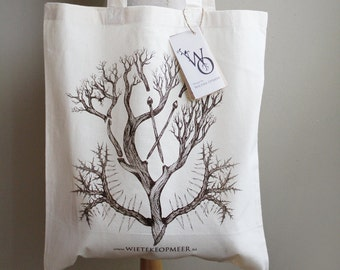 Organic cotton tote bag/projectbag with silkscreened craft illustration