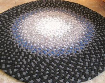 New Ready To Ship Handmade Recycled Round Cotton Braided Rug / Rag Rug in gray / black / white for your bathroom, kitchen, nursery, entry