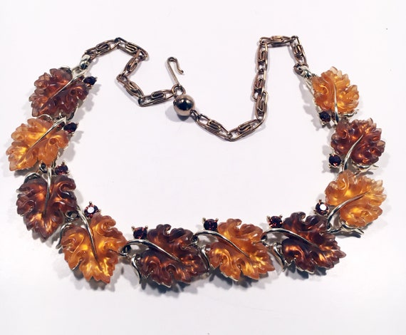 Lisner Oak Leaf Vintage Necklace
